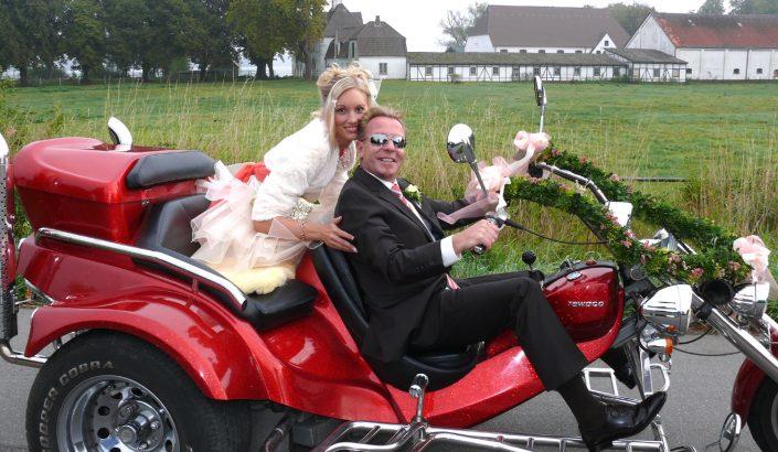 Hochzeitsfoto Brautpaar Trike