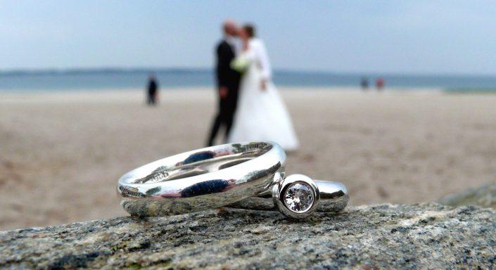 Hochzeitsfoto Eheringe Silber