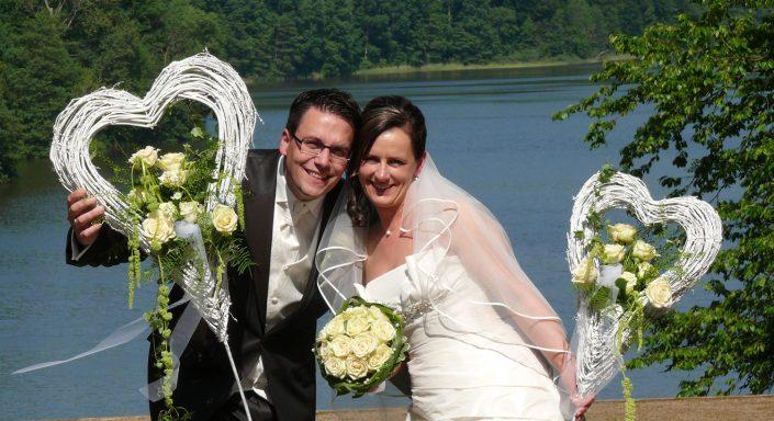 Hochzeitsfoto Brautpaar See