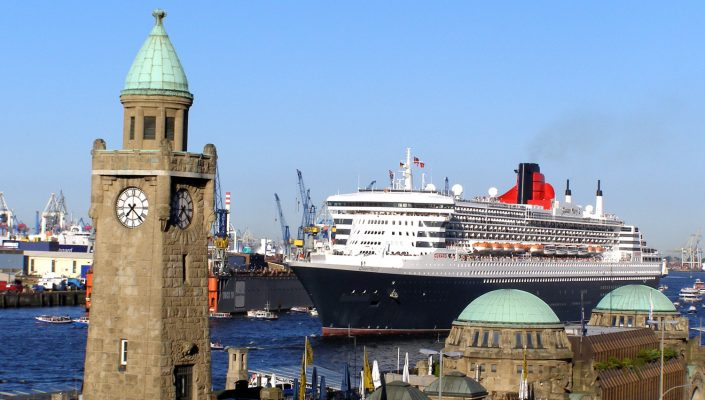 queen-mary-2-hamburg